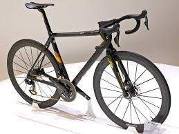 Colnago C64 Ultra Light 2019 Eb18 Colnago Concept Disc A Road Reality C64 Gold A