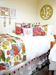 25 preppy dorm rooms to copy dorm room sheets and comforters dorm room bedding sets for