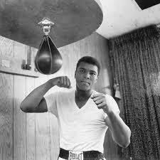 Celebrities Mourn Muhammad Ali