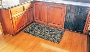 make your own diy kitchen rug