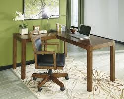 Auke L-Shape Corner Desk