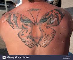 Man Tattoo Back Immagini Man Tattoo Back Fotos Stock Alamy