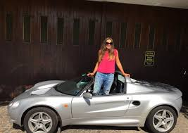 When he returned to italy, romano artioli decided to have it repainted in blue bugatti and today is the only ss of this color. Car Girl Elisa Artioli Car Girl Car Car Girls