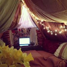 Easy Forts To Build Blanket Fort Secret Forts And Tree Houses Pinterest