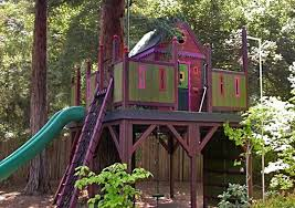 Barbara Butler has been building custom tree houses since 1987. This one  doubles as a play structure and kicks things up in notch by using plenty of  fun ...