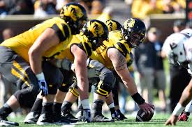 College Football Size Chart Size Matters College Footballs Biggest Offensive Linemen