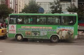 Otobüsün yarısını ahır yarısını kesimhane yaptı
