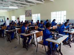 The word college here simply refers to a group of people with a shared task. Tevetamalawi On Twitter Youth Who Would Have Otherwise Been Idling At Home Are Getting Skilled At Milonga Community College In Thyolo Skillsforprosperity Https T Co 1cpgesdr3r