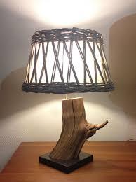 Tafellamp Van Verweerd Oud Eiken Tak Met Grijs Rieten Lampenkap 40