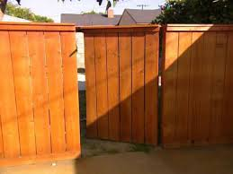 how to building a wooden gate