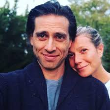 Famous men who have dated gwyneth paltrow, listed by most recent with photos when available. Dlisted Gwyneth Paltrow And Her Husband Live In Separate Houses
