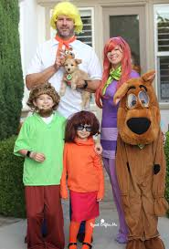 my 7 year old orchestrated this entire family costume is his favorite holiday and after we saw a large scooby head at he decided that