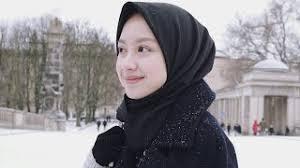 Koleksi terbaru kumpulan foto gadis cewek paling cantik di indonesia dari sabang sampai marauke maka tentu saja kalian bisa menemukanya hanya disini. Foto Cewek2 Cantik Lucu Berhijab Lagu Mp3 Video Mp4 3gp Waptrick