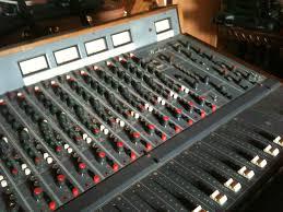 excellent console pour tous travaux en son - Avis Hudson 1604 DO -  Audiofanzine