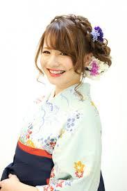 卒業式アップ 卒業式の髪型ミディアムロング袴のヘアスタイル