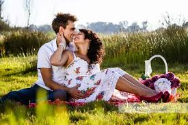 outside save the date photoshoot in gauteng couple kissing