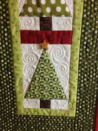 Christmas Tree Wall Hanging | I Finally Have Time & Quilting detail and wooden star bead embellishment. Adamdwight.com