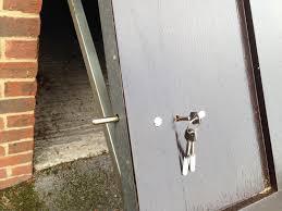 garage door locksSecure Garage Door Lock  httpfranzdondicom  Pinterest