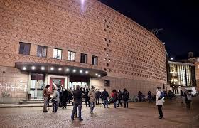 Teatro Regio Torino, crolla una scena in palcoscenico ...