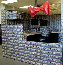 Ideas How To Decorate A Cubicle For Christmas Pictures