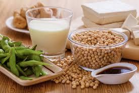 Giải đáp thắc mắc mẹ sau sinh mổ có được uống sữa đậu nành