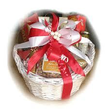 valentine gift baskets valentines gift baskets for him delivered valentine day gift hampers for her valentine gift baskets