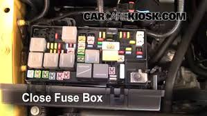 replace a fuse 2007 2016 jeep wrangler 2010 jeep wrangler 6 replace cover secure the cover and test component