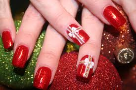 16 Gorgeous and Easy Nail Art Ideas for Christmas – Christmas ...