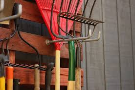 diy garden tool rack cool pallet projects