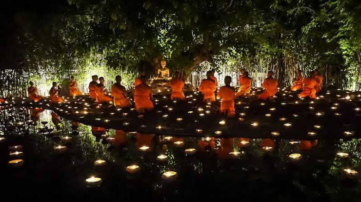 Things to do in thailand: Vishakha Puja