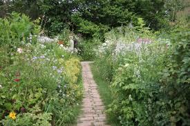 「ベニシア 庭」の画像検索結果