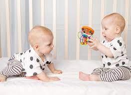Trò chơi cho bé 8 tháng tuổi – 7 trò mẹ không nên bỏ qua - Mamamy