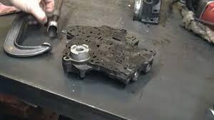 Turbo Hydra-Matic 400 Transmission shift modification - YouTube