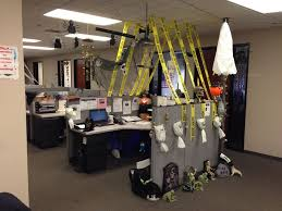 Halloween office decoration ideas Taihan Co Homedit Fun And Spooky Halloween Office Decor Ideas