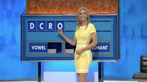 Rachel Riley squeezes curves into SKINTIGHT dress for jaw-dropping ...