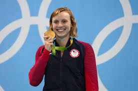 Katie Ledecky played peek-a-boo with ...