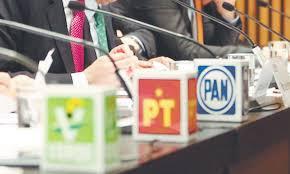 Plano Político: Frente a la realidad partidista