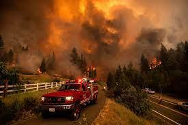Huge Oregon blaze grows as wildfires ...