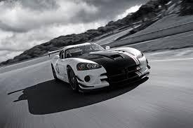 popular cars world: Dodge Viper Venom 1000, Looking at things ...