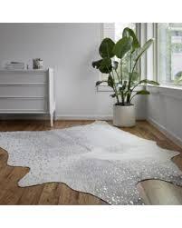 5 x 6 rug. Alexander Home Clayton Grey/ Silver Faux Cowhide Rug - 5\u0027 X 6\u00276 5 6
