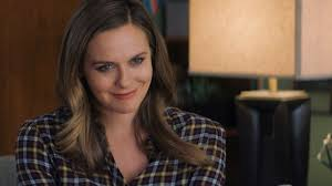 She is the daughter of didi (radford), a former flight attendant, and monty silverstone, a real estate investor. Cs Interview Alicia Silverstone On Wacky Bad Therapy