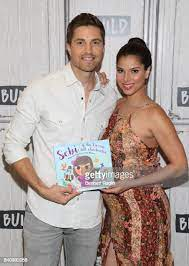 15,102 Eric Winter Photos and Premium High Res Pictures - Getty Images