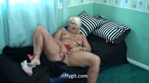 Chav granny playing with her twat Videos UKPorn.XXX