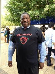 """WashU Bears on Twitter: """"Dr. Harvey Fields, assistant director of academic  programs, rocking the new Red Alert shirt! #WUSTLwelcome  http://t.co/jV6GAA2NNQ"""""""