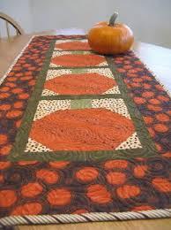 Pumpkin Table Runner   FaveQuilts.com &  Adamdwight.com