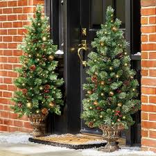How to Make a Front Porch Christmas Tree