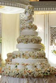 These Over The Top Wedding Cakes Will Definitely Whisk You Away