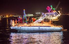 Mission Bay Parade Of Lights 2018 Annual San Diego Bay Parade Of Lights San Diego Ca Activities