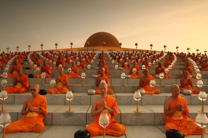 Things to do in Thailand- enjoy magha puja