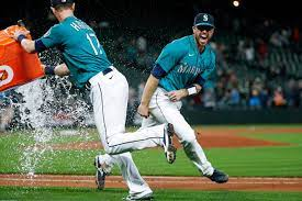 Tom Murphy hits two homers to help the ...